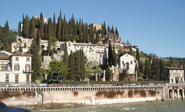 how to get to castel san pietro verona